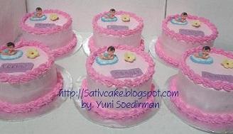 kue satu bulanan bayi lahir