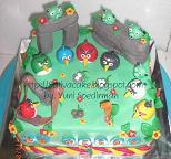 cake carakter angry bird