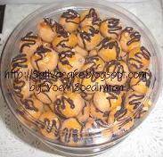 kue kacang coklat