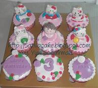 cup cake set isi 9 karakter hello kitty 3D