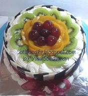 tiramisu fruity cake