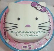cake ultah karakter hellokitty for mbak dyah