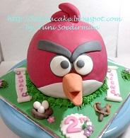 kue ulang tahun Angry bird buat Ajeng