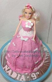 barbie cake 3D