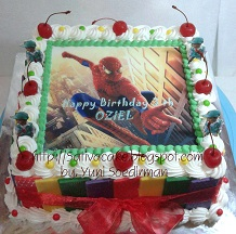 black forset dengan edible foto spiderman