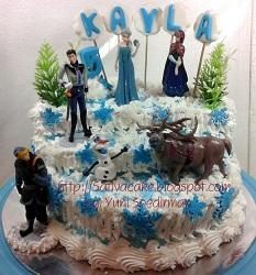 Frozen cake pesanan pak & bu Bayu