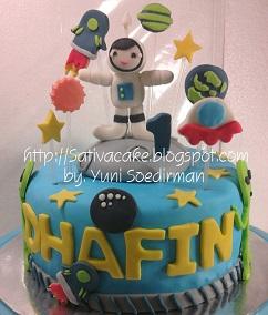 cake ultah tema astronot pesanan mbak dara