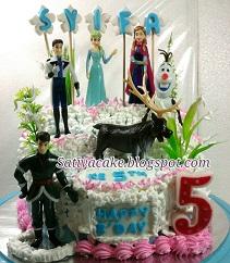 Frozen cake buat Syifa