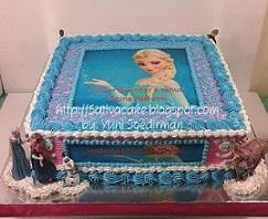 Frozen cake pesanan pak Anton