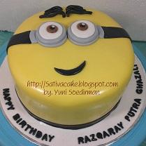 cake ultah minion pesanan mbak riyanti