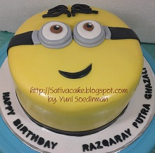 minion cake buat razqaray