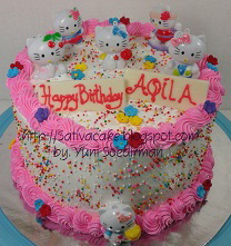 Rainbow cake buat Aqila