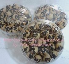 peanut choco cookies