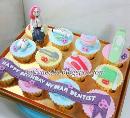 cup cake set tema dentist