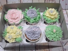 Flower cup cake